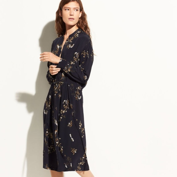 ac410eda4ea4f3 VINCE Spaced Floral Gathered Silk Shirtdress